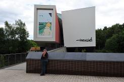 tem-posts-bd-cinq-ans-apres-le-musee-herge-part-a-la-conquete-du-monde-2014-05-26-1